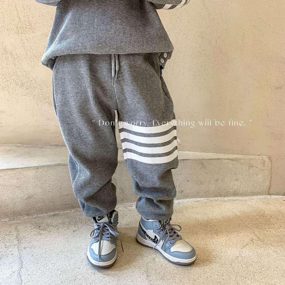 Vêtements pour enfants et 2021 Automne Pull pour enfants Spring Boys 'Loisirs Sports Deux pièces Ensemble de vêtements pour bébé