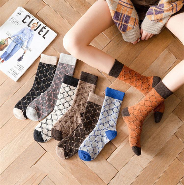 Moda Tasarımcısı kadın 3 Pairs Kış Çorap Kalın Örme Yün Yumuşak Sıcak Rahat Yuvarlak Boyun Çorap Retro Tarzı Renk Kadın Çorap