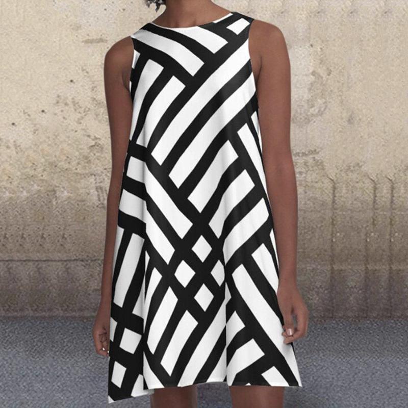 Vestido de verano Mujeres 2021 Bohemian Mini Moda de Mujeres O Cuello Sin mangas Patrón Imprimir A-Line Ladies Beach # G3 Vestidos Casuales
