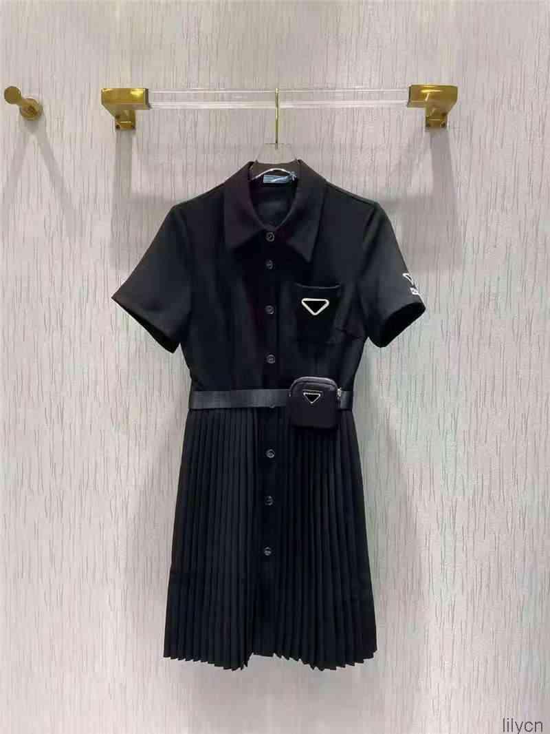 Frauen Kleid Hemd für Frühling Sommer Outwear Casual Style mit Budge Brief Dame Slim Kleider Gürtel Plissee Rock Button Zipper Büste Tops