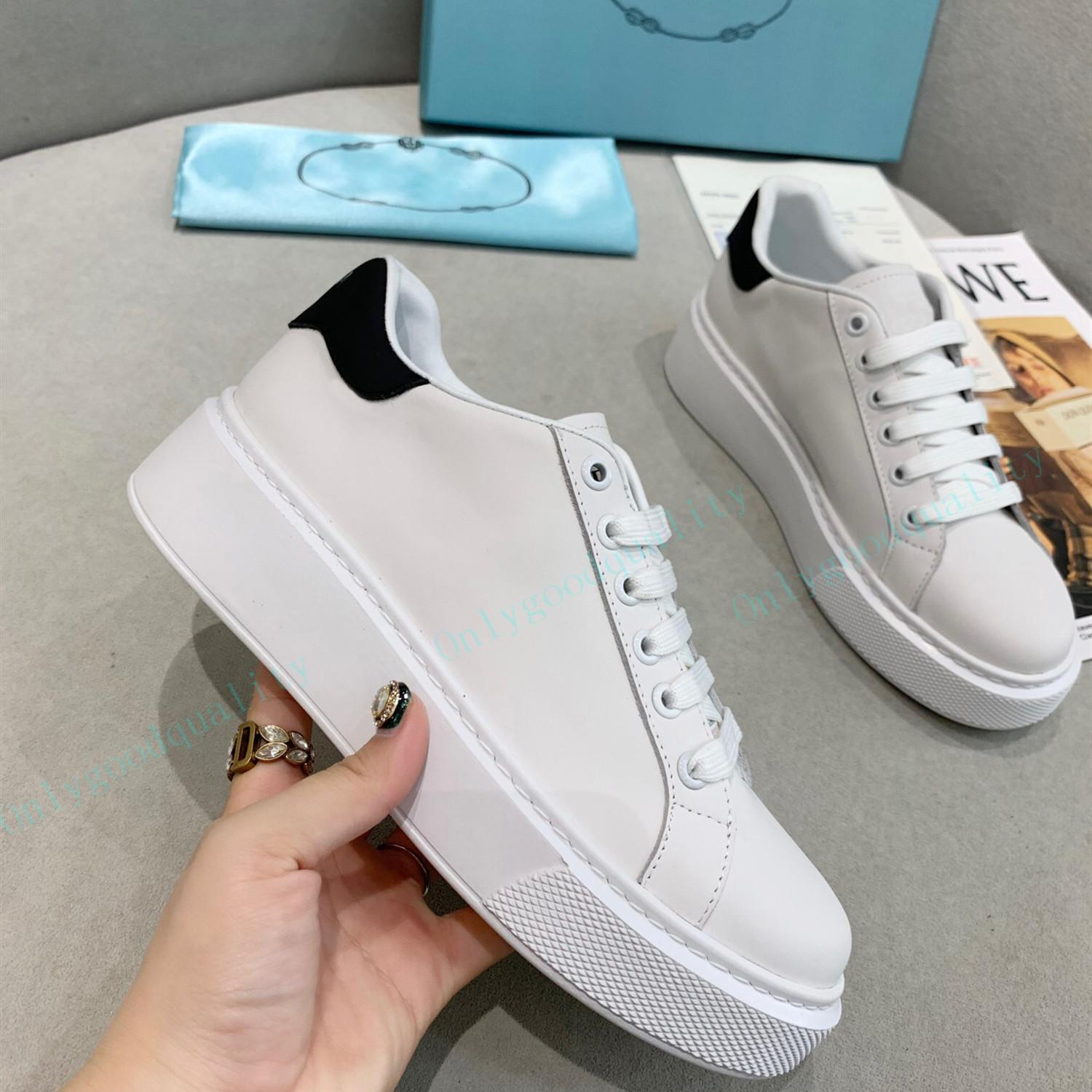 Top Quality Hommes Casual Chaussures Femme Sneaker Femme Chaussures Chaussures Beautiful Plate-forme Sneakers Cuir Couleurs Solides Robe Grande taille 35-45 avec boîte