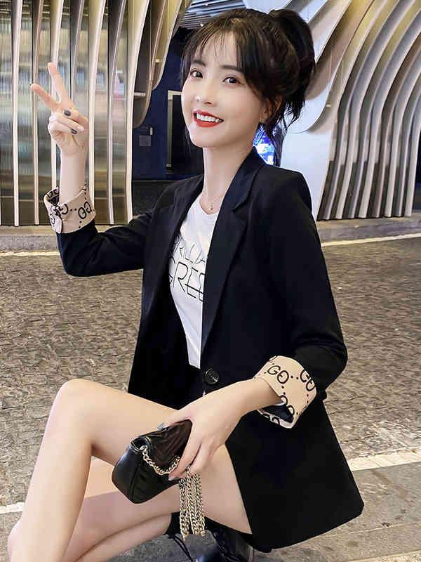Abrigo rojo Neto corta 2021 Primavera Coreana Slim Street Fried Style Traje Top de las mujeres