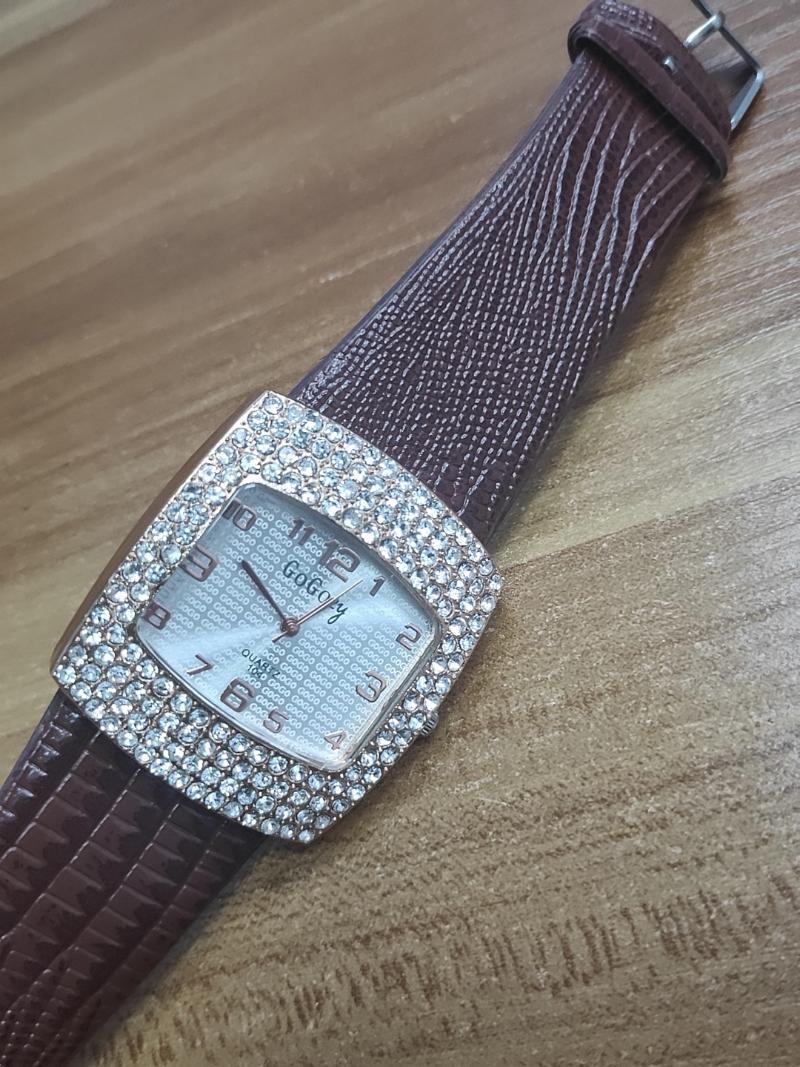 Luxus Qualitätsuhr Leder Kristall Quarz Armbanduhr Mode Frauen Nice Relojes Para Geschenke für Armbanduhren