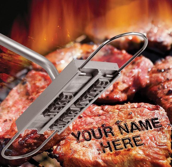 BBQ شواء أدوات الحديد العلامة التجارية مع قابلة للتغيير 55 خطابات النار وصفت بصمة الأبجدية الملمينوم الطبخ في الهواء الطلق لتلقي اللحوم HWF7813
