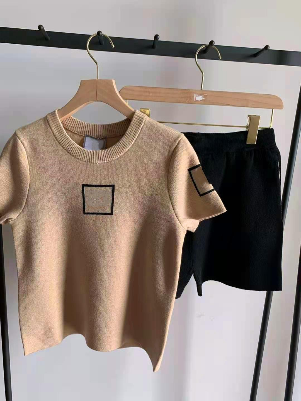 Luxury Designer Knits Knitted Short Sleeve Suit Fashion Women's Round Neck Knitteds T-shirt + Black High Waist Shorts