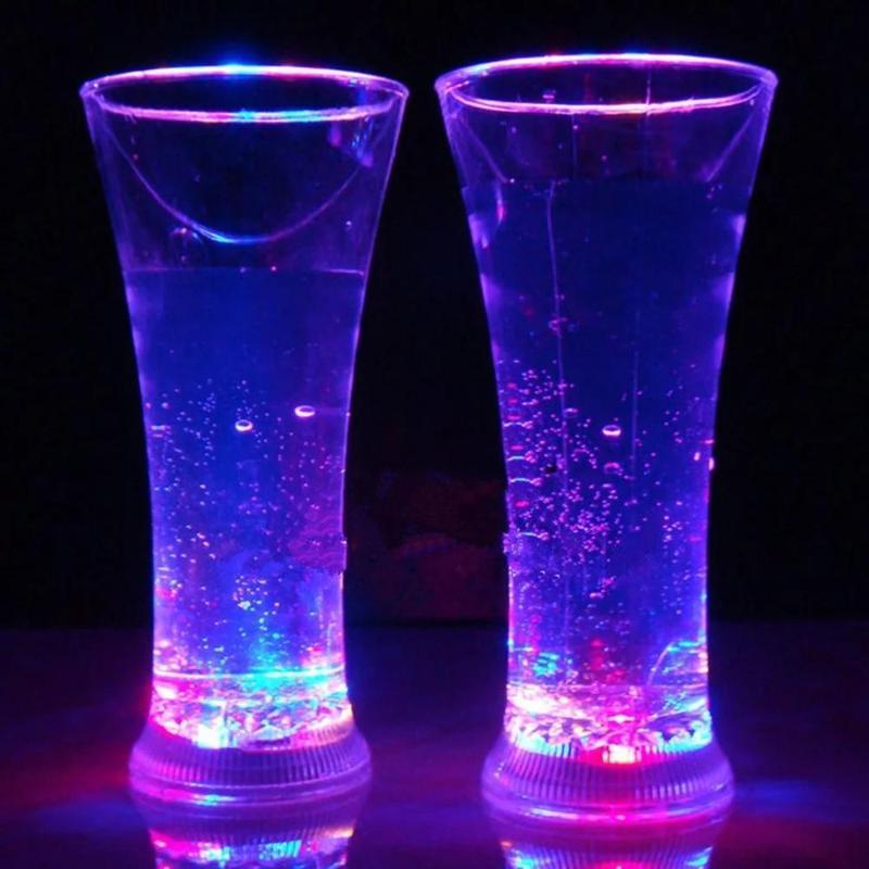 다채로운 LED 빛나는 컵 플래시 물 유도 빛 마시는 와인 안경