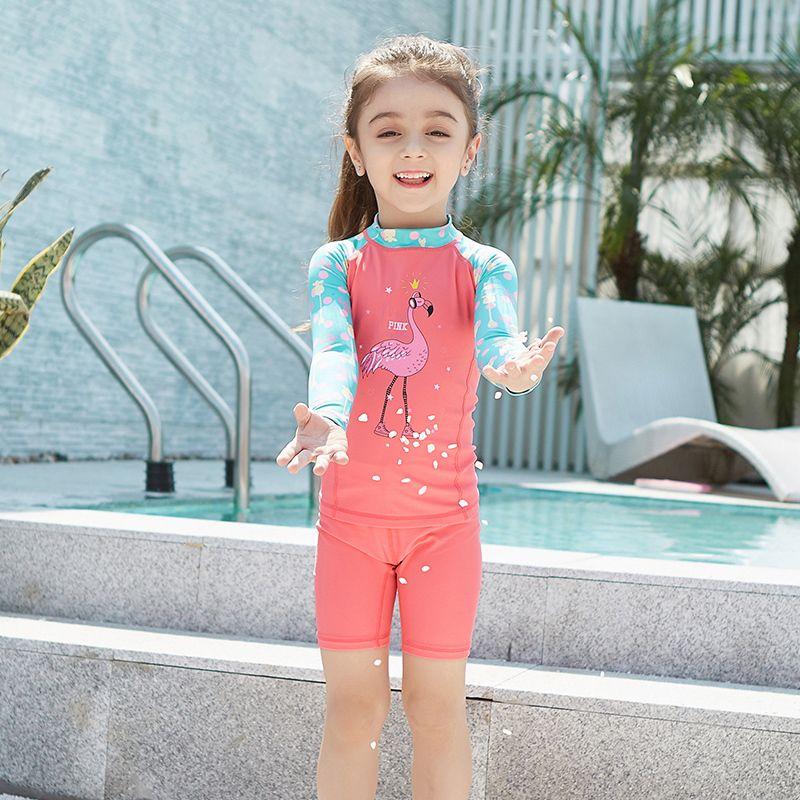 Camiseta de manga larga de secado rápido de los niños bragas de verano Protección UV de verano Playa Surfing niños traje de baño protector solar Dos piezas Q0220