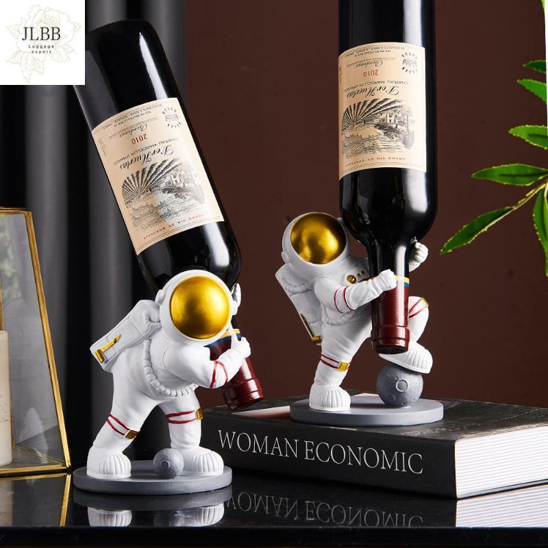 Decoração do armário do vinho do astronauta do astronauta do astronauta da resina nodrino