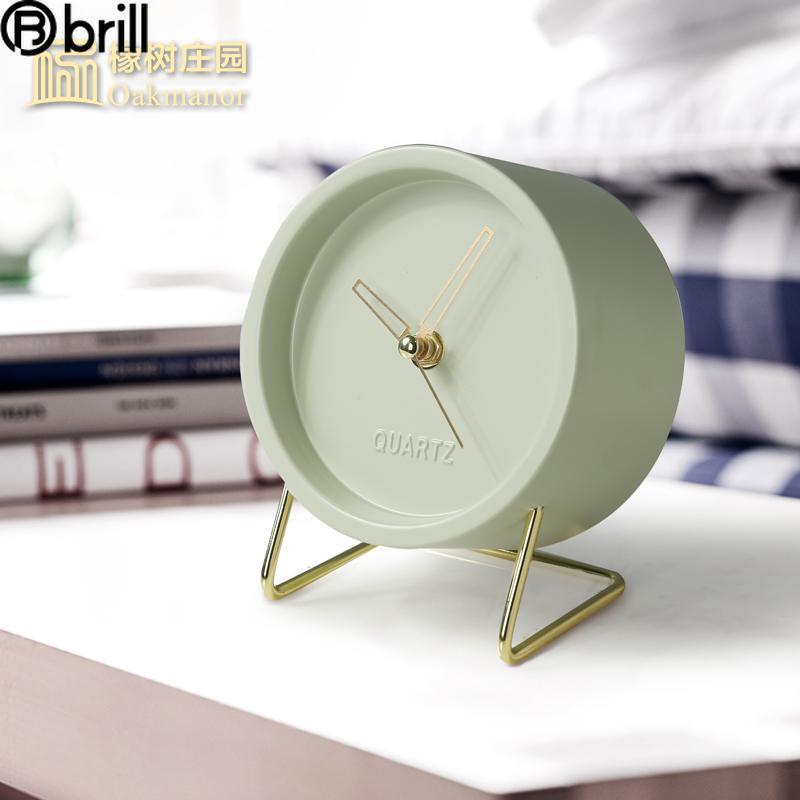 Resepsiyon Masa Saatleri Nordic Lüks Saat Metal Yaratıcı Masaüstü Modern Oturma Odası Yatak Odası Dekoratif Öğeler Ev Eşsiz Hediye 50