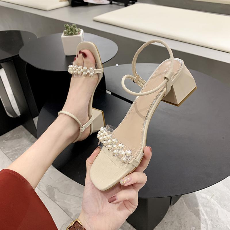 Moda Bayan Ayakkabı 2021 Blok Topuklu Ayak Bileği Kayışı Med Yüksek Sandalet Kadın Lüks Tıknaz Ortam Yaz Yüksek Topuklu Inci Kız