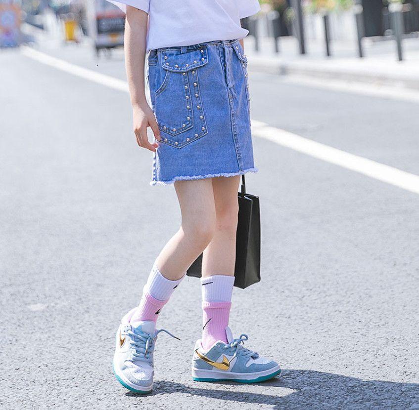 트렌디 한 늙은 여자 데님 스커트 패션 여름 어린이 리벳 술 카우보이 스커트 큰 아이 의류 A6689