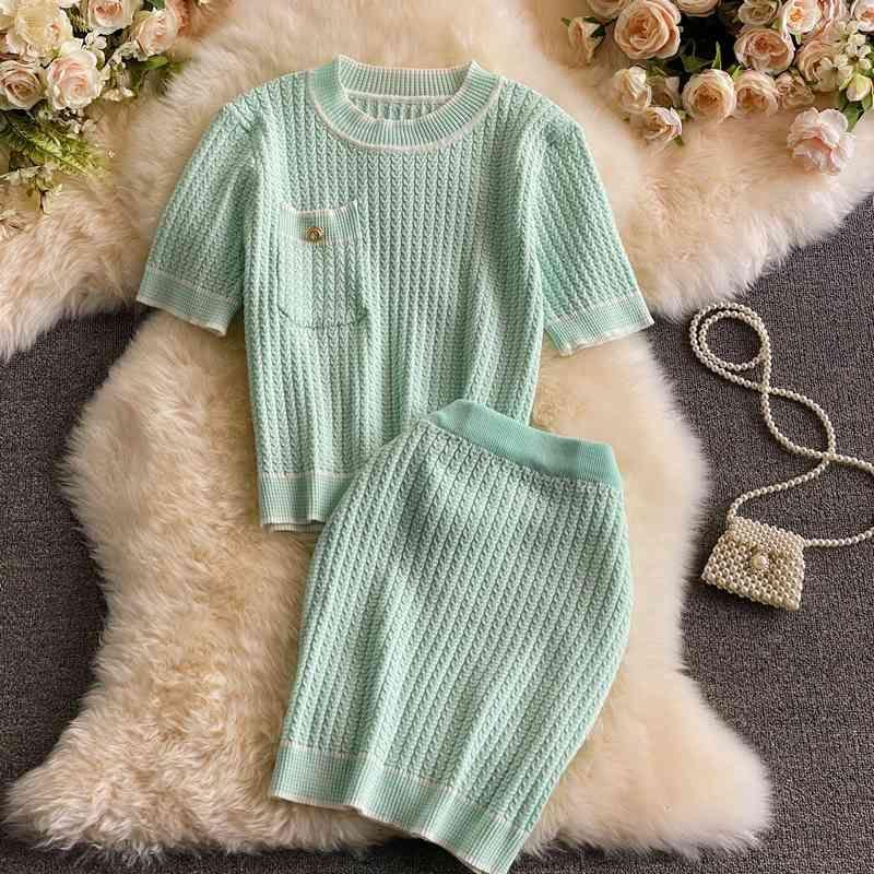 Summer Women Knit Two Piece Set Color Match Stripe Short Sleeve Tee Top + Elastic Waist Mini Pencil Skirt Suits Chic Clothes 210514
