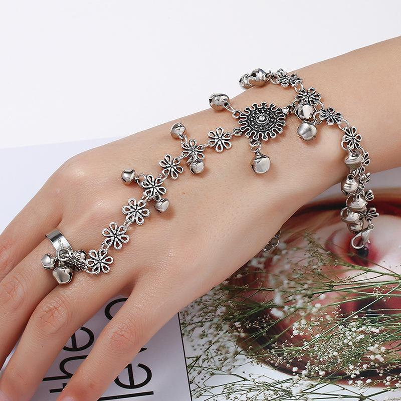 Female Adjustable Antique Silver Plated bracelet for Women Hand Chain Bracelets Bell Accessories Tibetan Jewelry Free Shiping