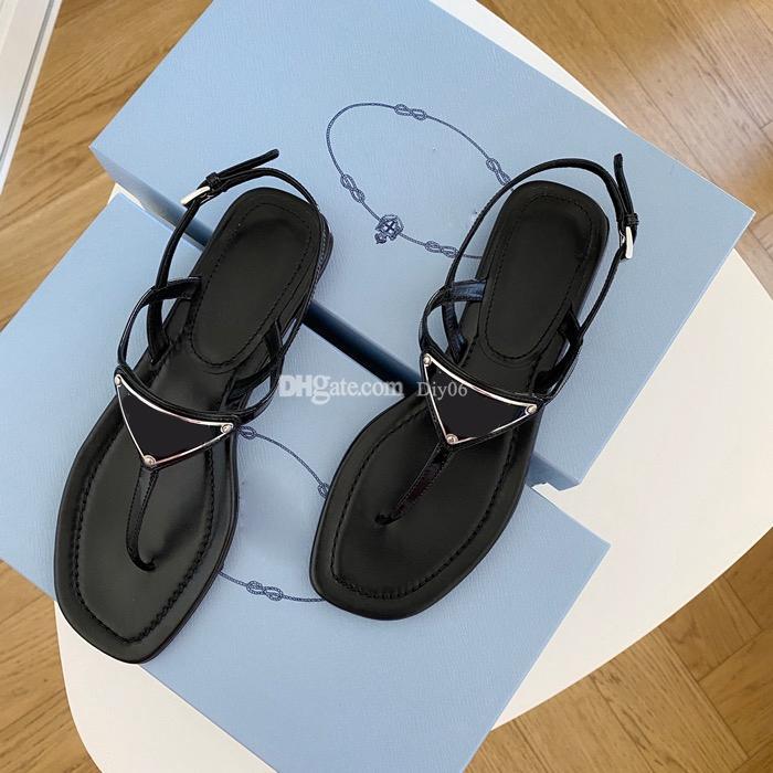 Clássico chinelo verão luxo mulher praia desenhos animados cabeça grande lazer chinelos sandali desenhador de couro liso de couro liso fivela fivela sandálias hotel homens slides