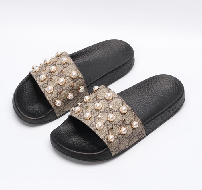 # 2021 # Ace Slayt Sandalet Adam Kadın Terlik Düz Dipler Çevirme Siyah Beyaz Kırmızı Yeşil Rahat Ayakkabılar Topuk Arı Çiçek Mektup Desen kutusu #
