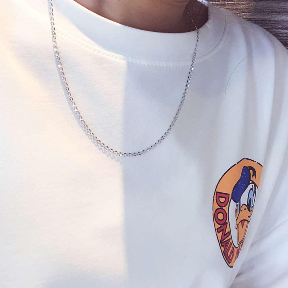 Silver Moyen Longueur Métal Pull Chaîne Collier Simple Japonais Coréen Titanium Diamond pour hommes et femmes