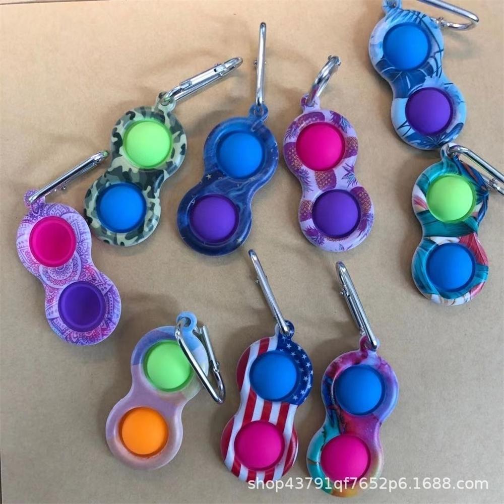 Con clip in metallo semplice portachiavi in silicone pulisca bolla giocattolo portachiavi viridget giocattoli sensoriali uA bandiera camo bordo di punta di punta H31Puxd