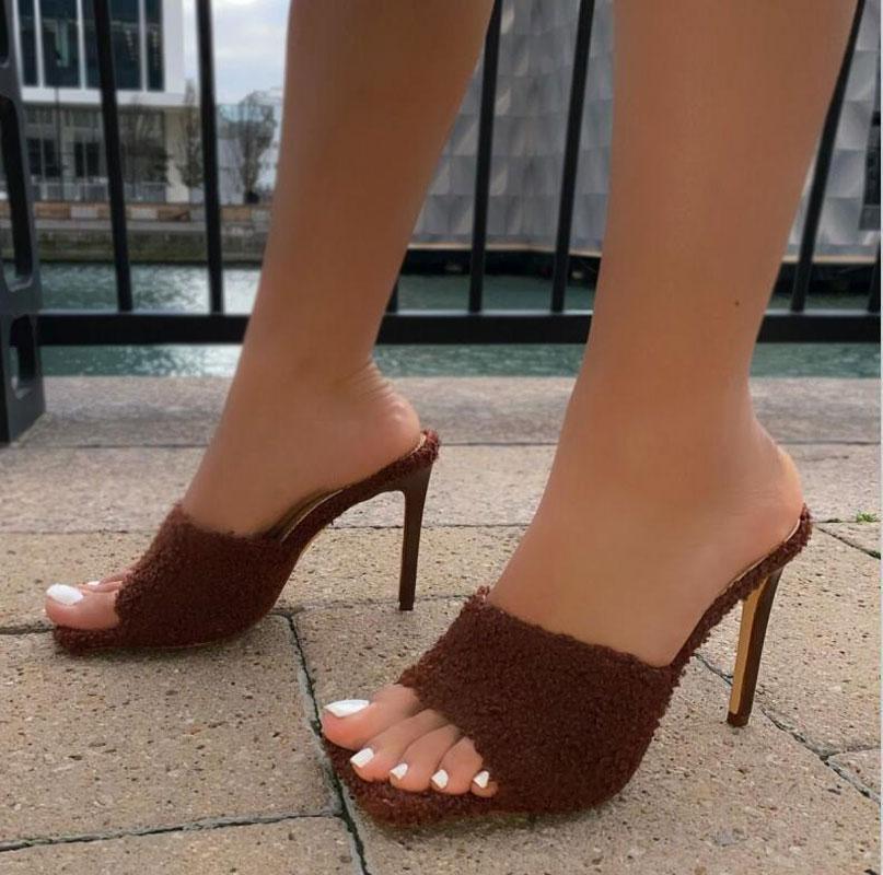 Lanas de verano tacones altos para mujer zapatillas vintage de punta cuadrada mula sandalias de tacones sexy fiesta de las señoras de las señoras zapatos grande 35-41