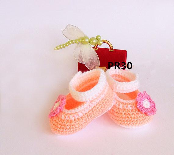 Crochet baby girl shoes, Peach handmade Ballerina Newborn Shoes with nice pink flower infant slippers delicate crocheting 0-12M cotton yarn