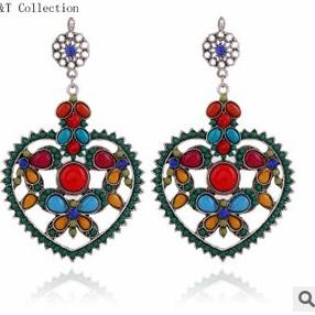 2 Pariカラフルダイヤモンド中空ハート花嫁の結婚式の女性のイヤリング(88)