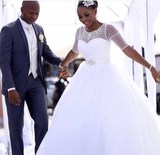 Белый бальное платье Половина рукава Свадебные платья Puffy Sheer шеи бисером длины пола сшитое Свадебные платья Тюль Принцесса Свадебные платья 201