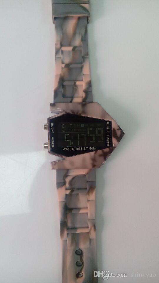 DHL Frete grátis-Mais Novo 3ATM Camuflagem Impressão de Avião De Ar Levou Liga Do Exército LED Relógio de Silicone Digital Homens Senhoras relógio