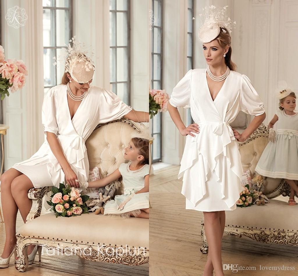 Drottning klänning kort formell brudklänning halv ärm ruffles elegant v hals knä längdskedja chiffon enkel design charmig underbar sexig
