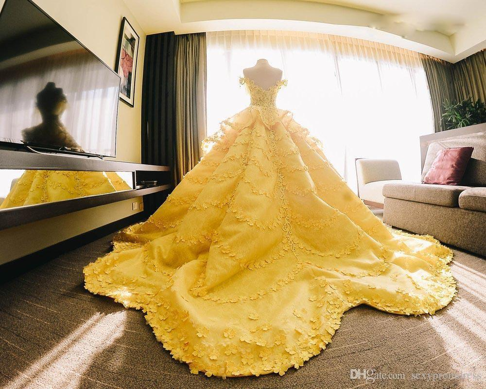 Amazing Ball Gown Wedding Dresses Yellow Off The Shoulder Lace Appliques Tiered Bridal Gowns Saudi Arabic Wedding Vestidos Custom Made Huge Ball Gown