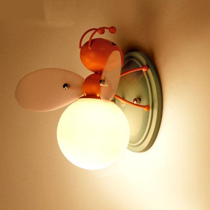 Yaratıcı karikatür erkek ve kız çocuk odası duvar lambası başucu lambası dekoratif LED karikatür ışık arı çocuk duvar lambaları LED