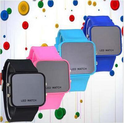 Frete grátis Novo estilo Levou luz azul relógio do espelho pulseira de silicone, relógio de moda levou relógio digital para preço de fábrica
