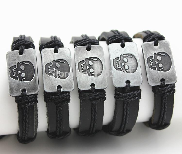 Bijoux en gros LOTS 12 PCS Alliage Conception Pirates Skull Surf Cuir ID Bracelets Bracelet Cadeau Halloween MB138