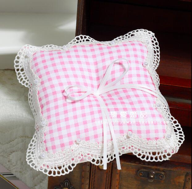 Pink tartan design Check Pattern England Ring Pillows For Weddings With Ribbon Bow Lace Edge With Pearl Beads