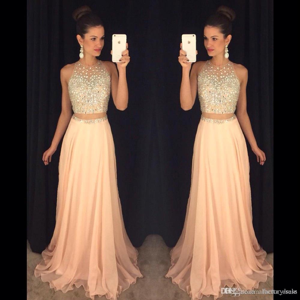 Großhandel Erröten Rosa Crop Top Kleider Abendkleid Zweiteiler Silber  Kristall Sheer Back Chiffon Sexy Langes Kleid Für Abschlussfeier Kleider  Von