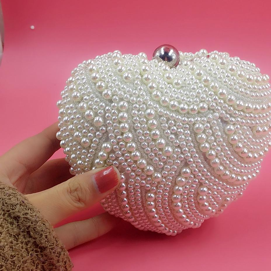 Cute Pearl Heart Shape Bridal Hand Bags Ivory Elegant Evening Handbags Evening Clutches For Ladies Wedding Bridal Bags Free Shipping 13*15cm