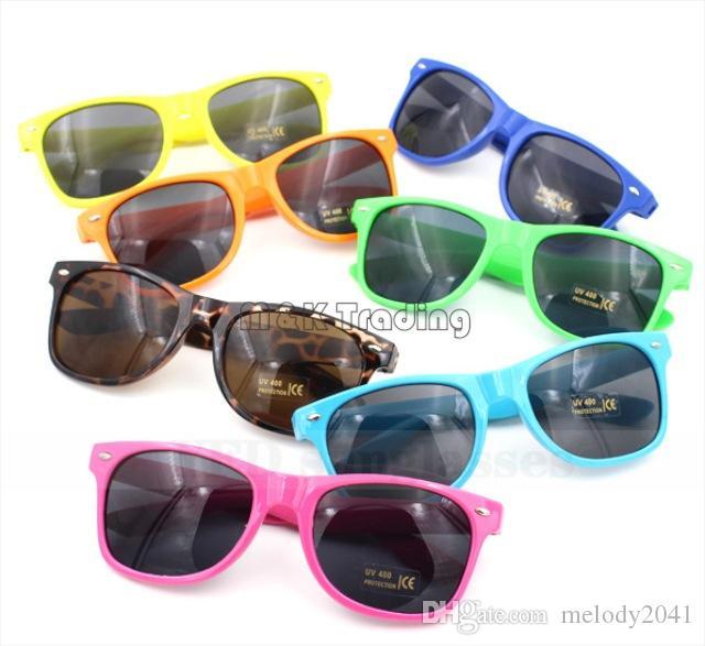 40pcs eterna Claasic Vinatge moda gafas de sol gafas de sol de plástico de viajeros lentes UV400 del marco Promoción Sun Gafas nave libre