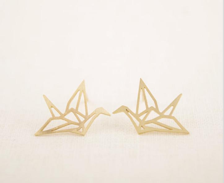 鳥のイヤリング、女性のイヤリング、女性のイヤリングを中空にし、女性の飲み込みスタッドのイヤリング卸売送料無料Papercranesスタイル