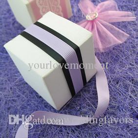 100pcs/lot 5cm*5cm*5cm White/Ivory Color Wedding Gift Boxes Christmas Decor Candy Boxes Baby Shower Favors Boxes Celebrations Decor