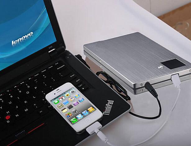 Varumärke Portable Power Bank 20000mAh Universal Mobiltelefon Tablet Laptop Snabb laddning utan kostnad