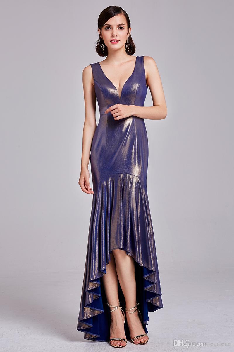 Geräumig Moderne Kleider 2017 Ideen Von Das Neue Blaue Kleid Sexy Dame Toast