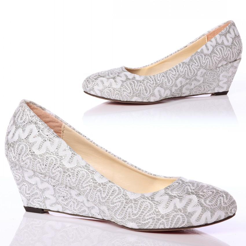 Closed Toe Wedge Pumps Lace Wedding Shoes With Almond Toe 5cm High Heels  Mother/