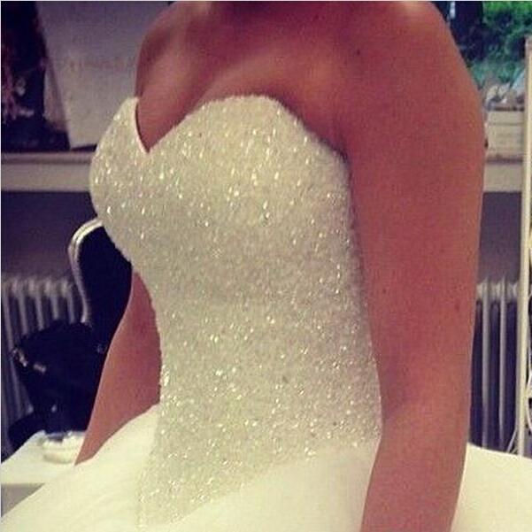 2018 Blanco / Marfil Vestido de boda vestido de bola con vestidos de cordones Vestidos de Noiva Tulle Tulle Duración de los vestidos nupciales QS34