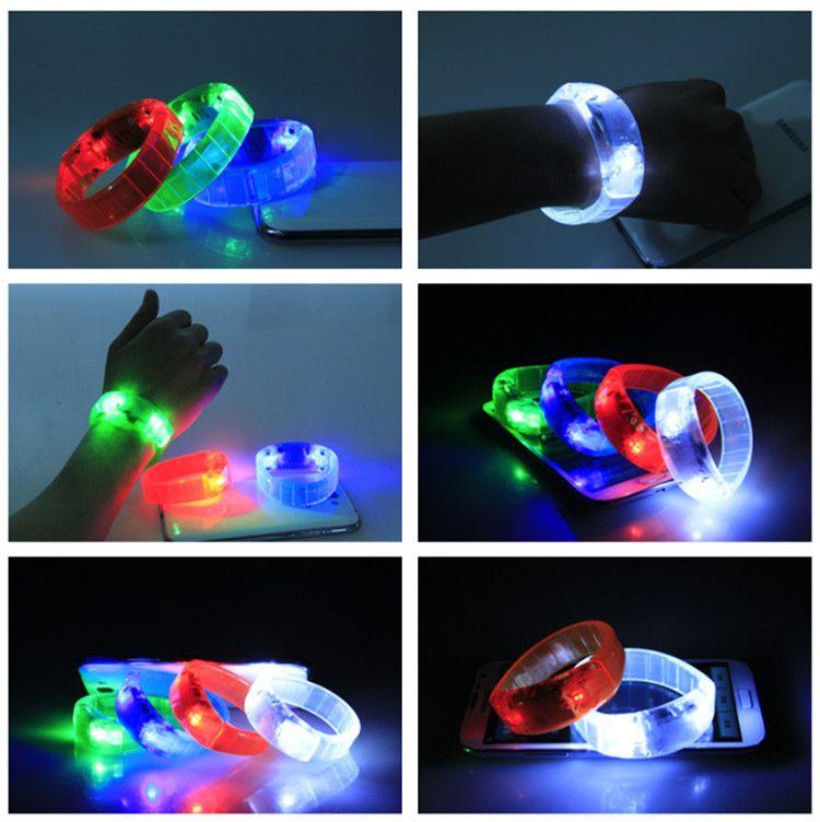 Bracelet à commande vocale à DEL Glo-sticks Bracelet à DEL clignotant électronique Bracelets luminescents Bande de poignet Bracelet de Noël Jouets éclairés