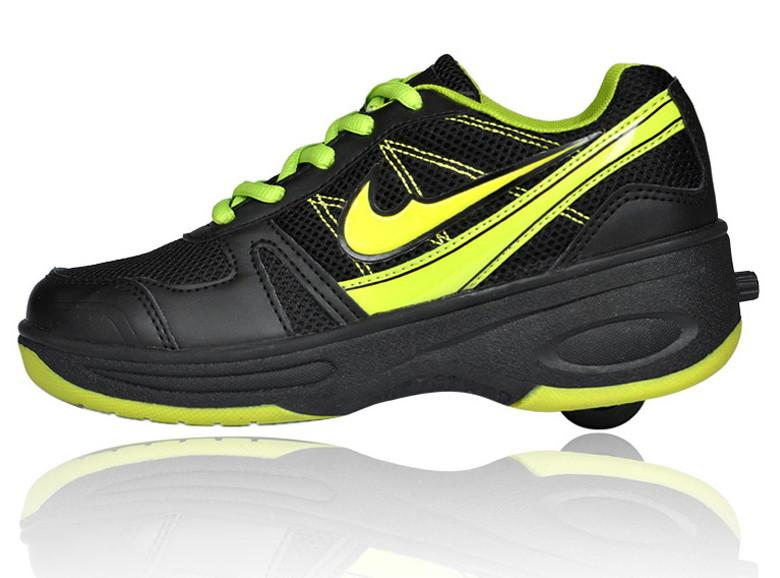 chaussure avec roulette nike