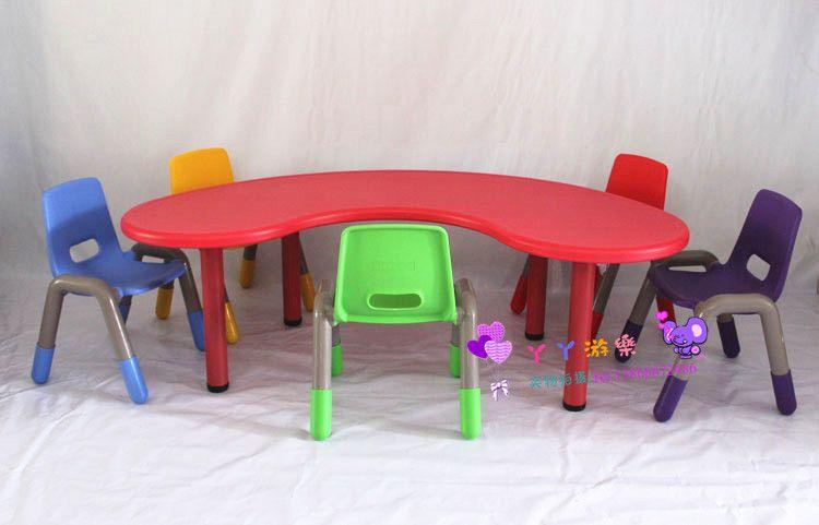 Tavoli E Sedie In Plastica Per Bambini.Acquista I Bambini Imparano Tavolo E Sedia Plastica Mangiano Scrivania E Una Sedia Scrivanie E Sedie Bambini La Mezzaluna Tavolo Curvo A 391 96