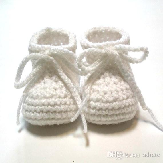 White baby booties. Crochet baby booties for Baptims or Christening. Made to order. 0-3 month unisex baby booties.0-24M cotton yarn