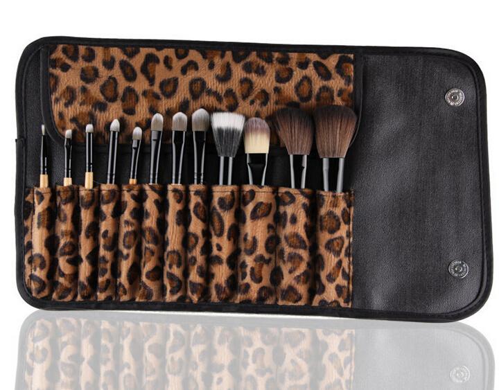 La più nuova fabbrica che vende 12pcs MAANGE Trucco portatile Set di pennelli Log di flanella leopardo