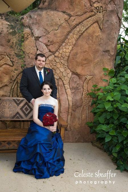 Royal Blue Gothic Vestidos De Casamento De Tafetá com Lantejoulas Frisado Strapless Ruched Lace Up A Line Sweep Trem plus size Espetacular Vestido De Noiva