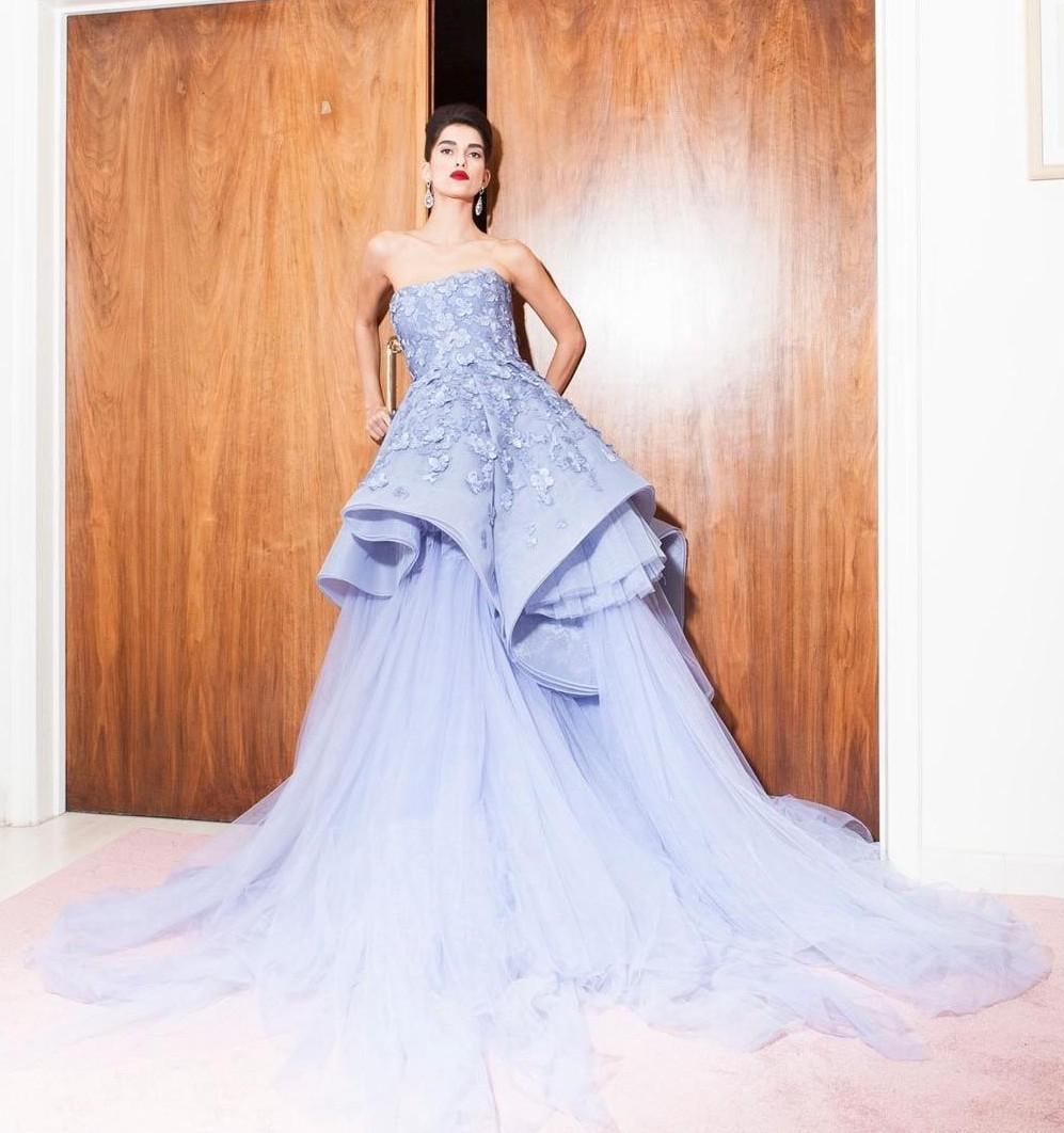2016 Elie Saab Vestidos de Noite Longo Sem Alças Apliques Vestido de Festa de Casamento de Tule Em Camadas Custom Made Ocasião Especial Formal Vestido de Baile