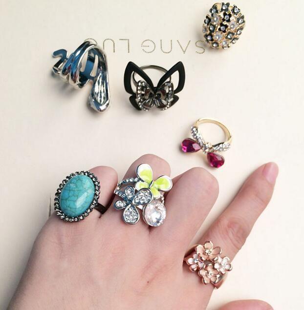 10 unids / lote mezcle el tamaño del estilo no se desvanece los anillos de racimo de la joyería de moda de cristal para el regalo Craft Ri38