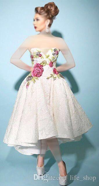 2017 trägerlosen Ballkleid Prom Kleider Hallo-Lo Ärmellos Applizierte Blumen Muster Geraffte Tee Länge Party Kleider